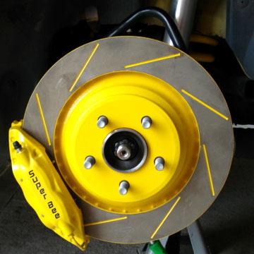 auto-srt-yellow-caliper